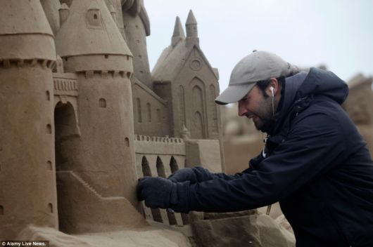 Amazing Hollywood Themed Sand Sculptures