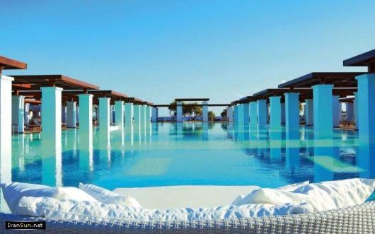Beautiful Swimming Pools Around The World