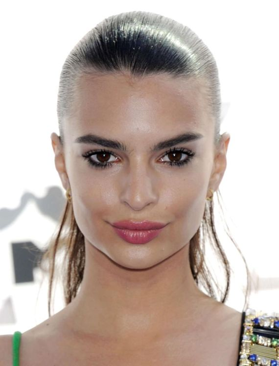 Emily Ratajkowski At 2015 MTV Movie Awards