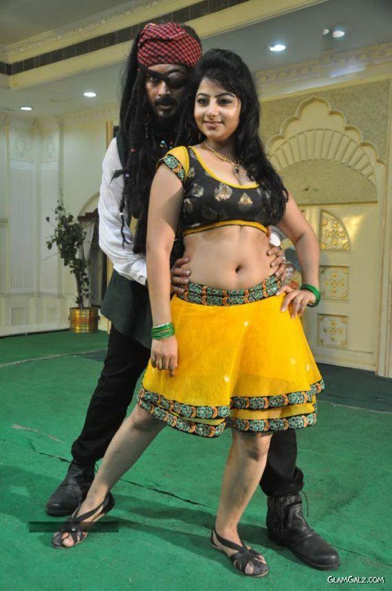 Awesome Telugu Item Sonam Singh Photoshoot